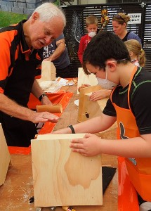 A guided hand sanding
